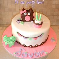 Owl themed cake by Dora Avramioti