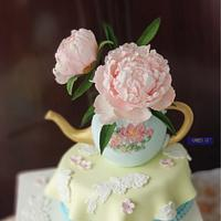 Peony Teapot Cake for the Queen