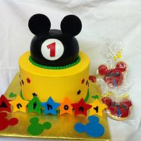 Mickey Mouse Cake by lanett