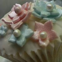Vintage cupcakes by The Buttercup Kitchen
