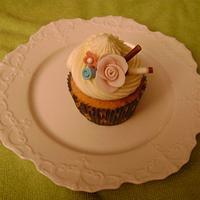 Wedding shower cupcake