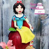 Snow white enchanted cake