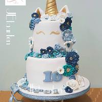 Posh unicorn cake