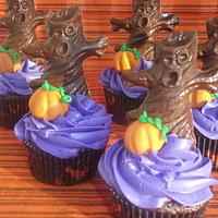 Spooky Tree Cupcakes!