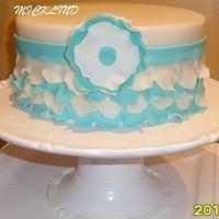 A PETAL WHITE & TURQUIOSE CAKE