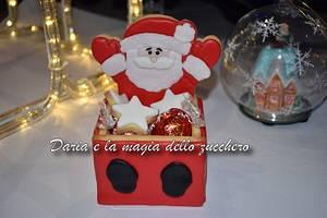 santa claus cookie box - Cake by Daria Albanese