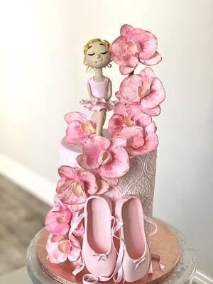 Pretty ballerina  - Cake by Sandy Lawrenson - Sweet 'n  Sassy