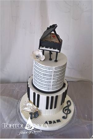 Music & piano cake - Cake by Tortolandia