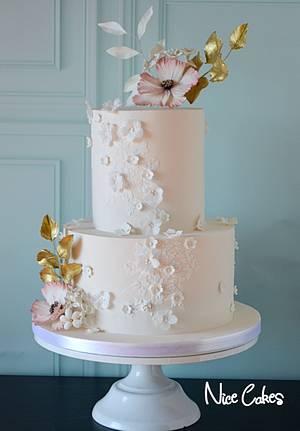 Gold and peach wedding cake - Cake by Paula Rebelo