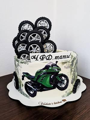 Motorcycle cake (Kawasaki)  - Cake by Vyara Blagoeva