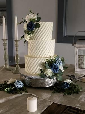 Wedding Cake - Cake by Melanie Mangrum