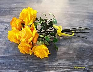 Yellow roses made of Wafer paper - Cake by Zuzana Bezakova