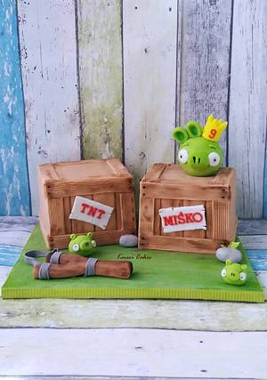 Angry Birds - Cake by Kmeci Cakes