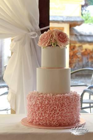 Ruffles Wedding cake - Cake by Lorna