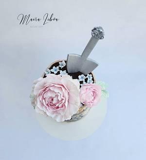 Flower pot - Cake by Maira Liboa