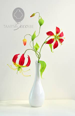 Gloriosa or Flame Lily - Cake by Taart en Deco