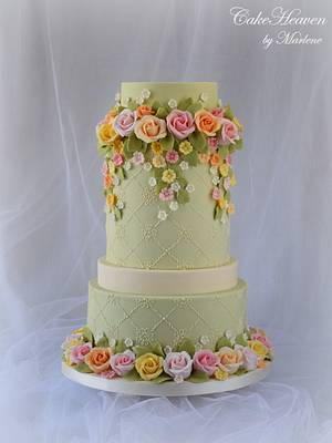 Roses Cake -  Cake Craft Guide Wedding Cakes and Sugar flowers, issue 26 - Cake by CakeHeaven by Marlene