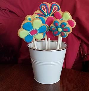 More flowers - Cake by Pluympjescake