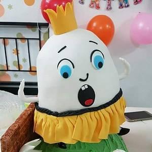 Falling Humpty Dumpty Cake   - Cake by Amys bayked bouquett