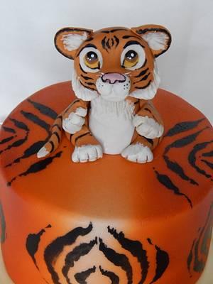 Little Tiger cake - Cake by Elizabeth Miles Cake Design