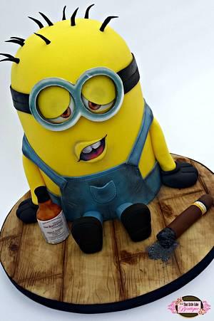 Drunk Minion!!!! - Cake by Jerri