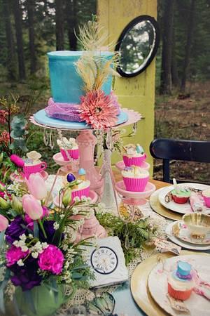 Alice in Wonderland  - Cake by Sweet Delights By Krystal
