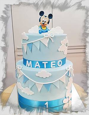 Baby Mickey Mouse + cupcake toppers - Cake by Tirki