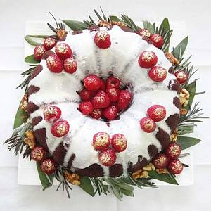 Christmas wreath bundt cake - Cake by Michelle Chan