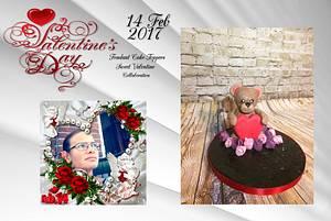 Fondant Cake-Topper - Sweet Valentine Collaboration 2017 bear - Cake by Chantal den Uyl