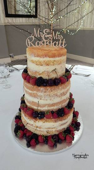 Mr & Mrs Naked Wedding Cake - Cake by Spongecakes Suzebakes