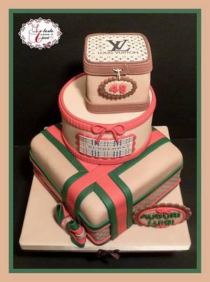"""Fashion box cake - Cake by """"Le torte artistiche di Cicci"""""""