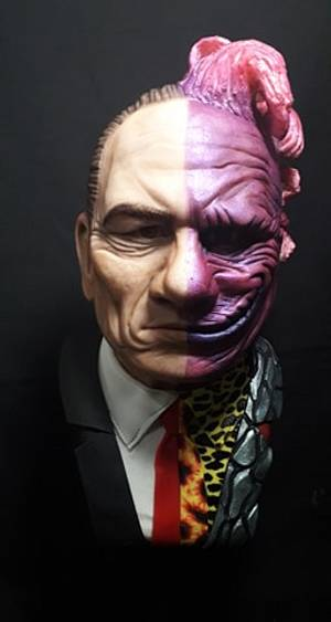 TWO FACE - Tommy Lee Jones - Cake by Karin Rachell Saade Morad
