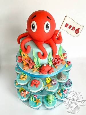 Under The Sea Octopus Cake and Cupcakes - Cake by Truly Madly Sweetly Cupcakes