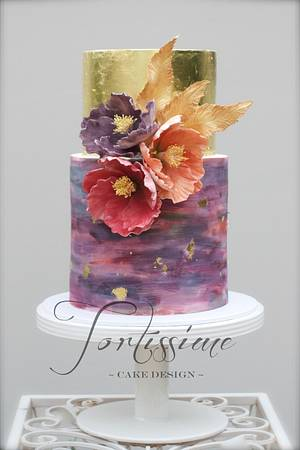 Gold Feather - Cake by Tortissime Cake Design