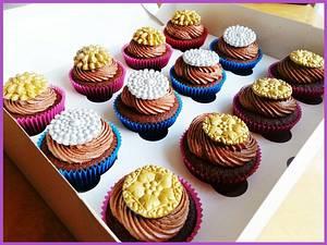 Mogul Brooches - Cake by Princess of Persia