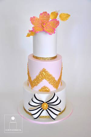 Pretty in pink, white and gold!  - Cake by Cakeadaisical