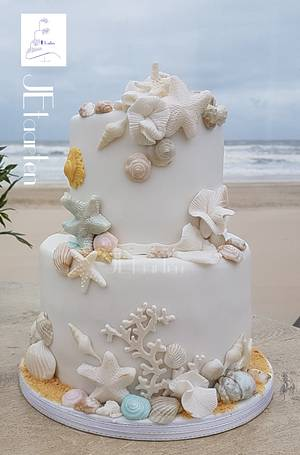 Beach weddingcake - Cake by Judith-JEtaarten