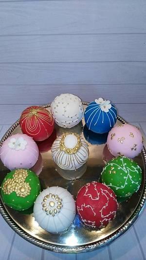 Christmas Bauble mini cakes - Cake by moni