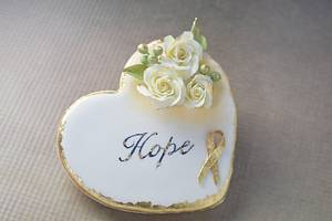 Hope- Amore  - Cake by Audrey