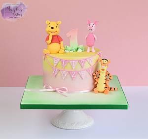 Winnie the Pooh and friends - Cake by Magda's Cakes (Magda Pietkiewicz)