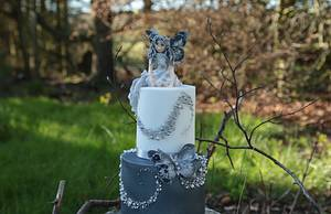 My piece for the sugar myths and fantasies collaboration ! - Cake by Missyclairescakes