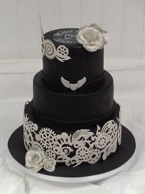 Special Weddingcake for a Motorcycle Riding  Couple!  - Cake by KimsSweetyCakes