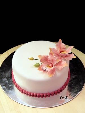 simple elegant cake with cymbidium orchids - Cake by tuti
