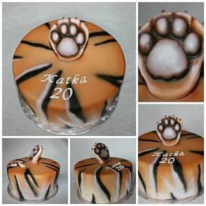 Tiger's paw - Cake by Anka