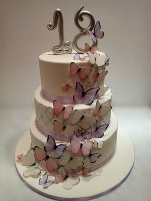 Birthday cake with butterflies - Cake by Gabriela Doroghy