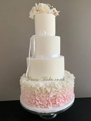 Ruffles wedding cake - Cake by Penny Sue