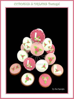LOVELY PRINCESS CHRISTENING CUPCAKES & COOKIES - Cake by Ana Remígio - CUPCAKES & DREAMS Portugal