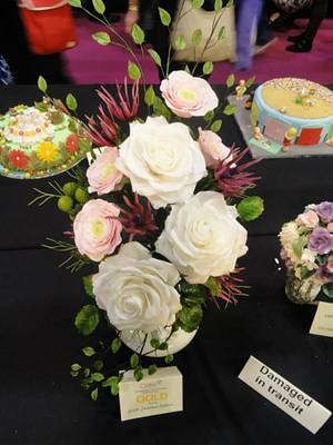 Competition Floral Arrangement - Cake by JarkaSipkova