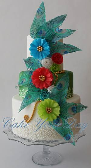 Peacock feathers and flowers - Cake by Cake Your Day (Susana van Welbergen)