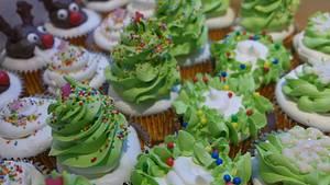 Christmas cupcakes - Cake by Janny Bakker
